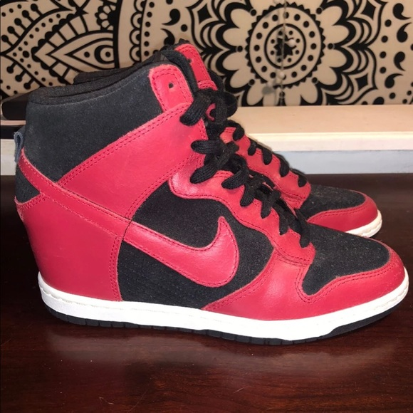 Nike Sneakers ShoesHeel ShoesHeel Poshmark Sneakers Nike Poshmark CdBoexr